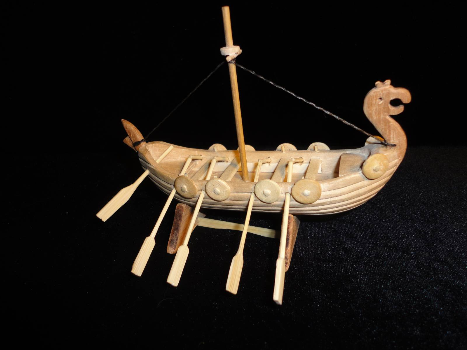 ладья викингов -дракар
